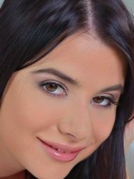 Charlyse Bella